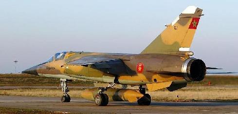 """عاجل : تحطم طائرة """"ميراج"""" تابعة للقوات المسلحة قرب قاعدة سيدي سليمان"""