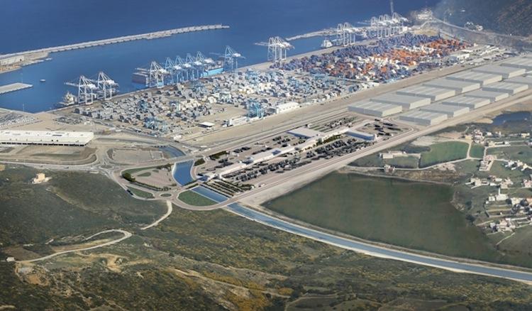 ميناء «طنجة ميد» يعرف ارتفاعا في عدد المغاربة المقيمين بالخارج