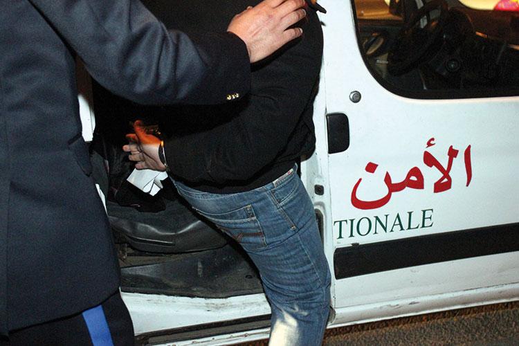 صورة توقيف ثلاثيني بمراكش انتحل صفة ضابط بالشرطة القضائية للنصب والسرقة