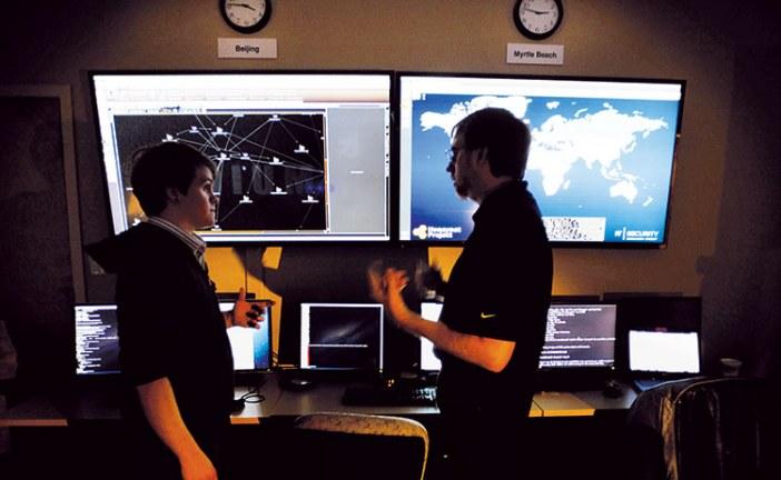 التكنولوجيا من خدمة عن بعد  إلى أنظمة مراقبة تدمر الخصوصية