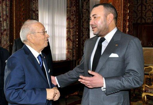 """الملك يهنئ السبسي بحصول """"رباع الحوار"""" على جائزة نوبل للسلام"""