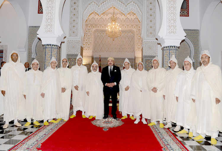 صورة الملك يستقبل ولاة ورؤساء الجهات الاثني عشر للمملكة