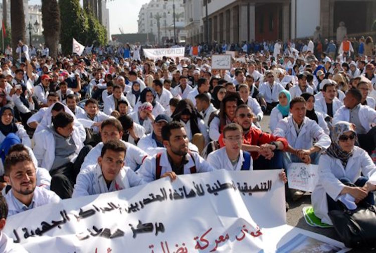 الحكومة تتحدى الطلبة الأساتذة: «لا توظيف بعد التكوين»