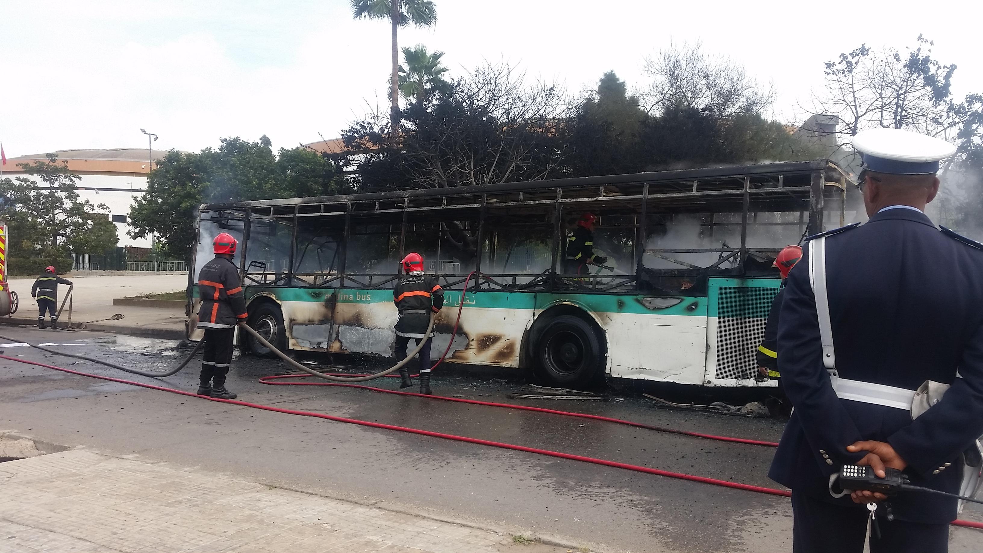 حريق جديد يأتي على حافلة لـ«مدينة بيس» بالدار البيضاء