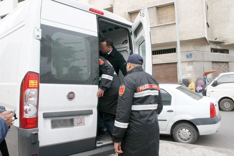 صورة اعتقال أفارقة متهمين بسرقة واجهات تجارية كبرى بالرباط