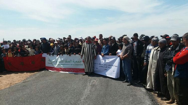 صورة مسيرة احتجاجية لسكان جماعة ببرشيد للمطالبة بإصلاح طريق إقليمية