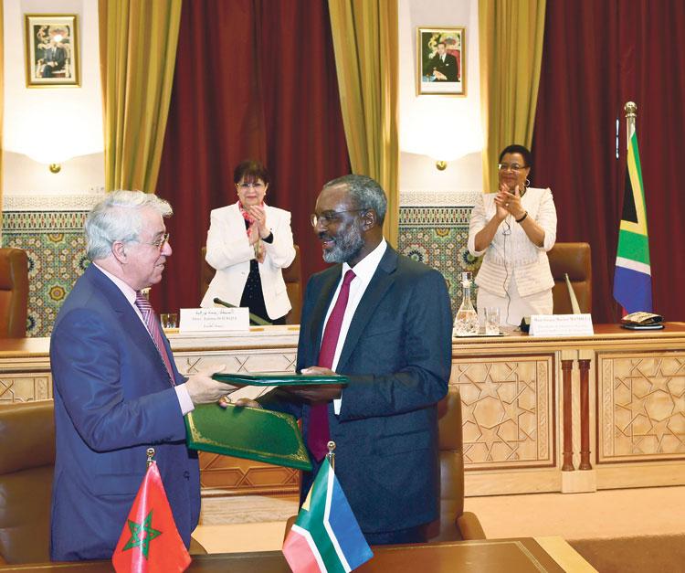 رئيسة معهد مانديلا تطلع على جهود المجمع الشريف للفوسفاط في مجال التنمية الزراعية بإفريقيا