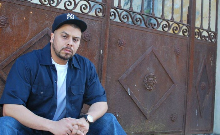"""شكاية لمغني الراب """"مسلم"""" بسبب قرصنة وحظر حساباته الشخصية ترسل شخصين إلى السجن بطنجة"""