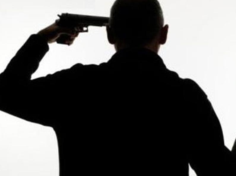 نقل شرطي بالصويرة في حالة حرجة إلى المستشفى بعد إفراغه سلاحه الوظيفي في رأسه