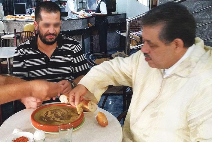 شباط يستهل حملته الانتخابية بأكلة «البيصارة» ويهاجم الحكومة بشأن صندوق المقاصة وقانون التقاعد