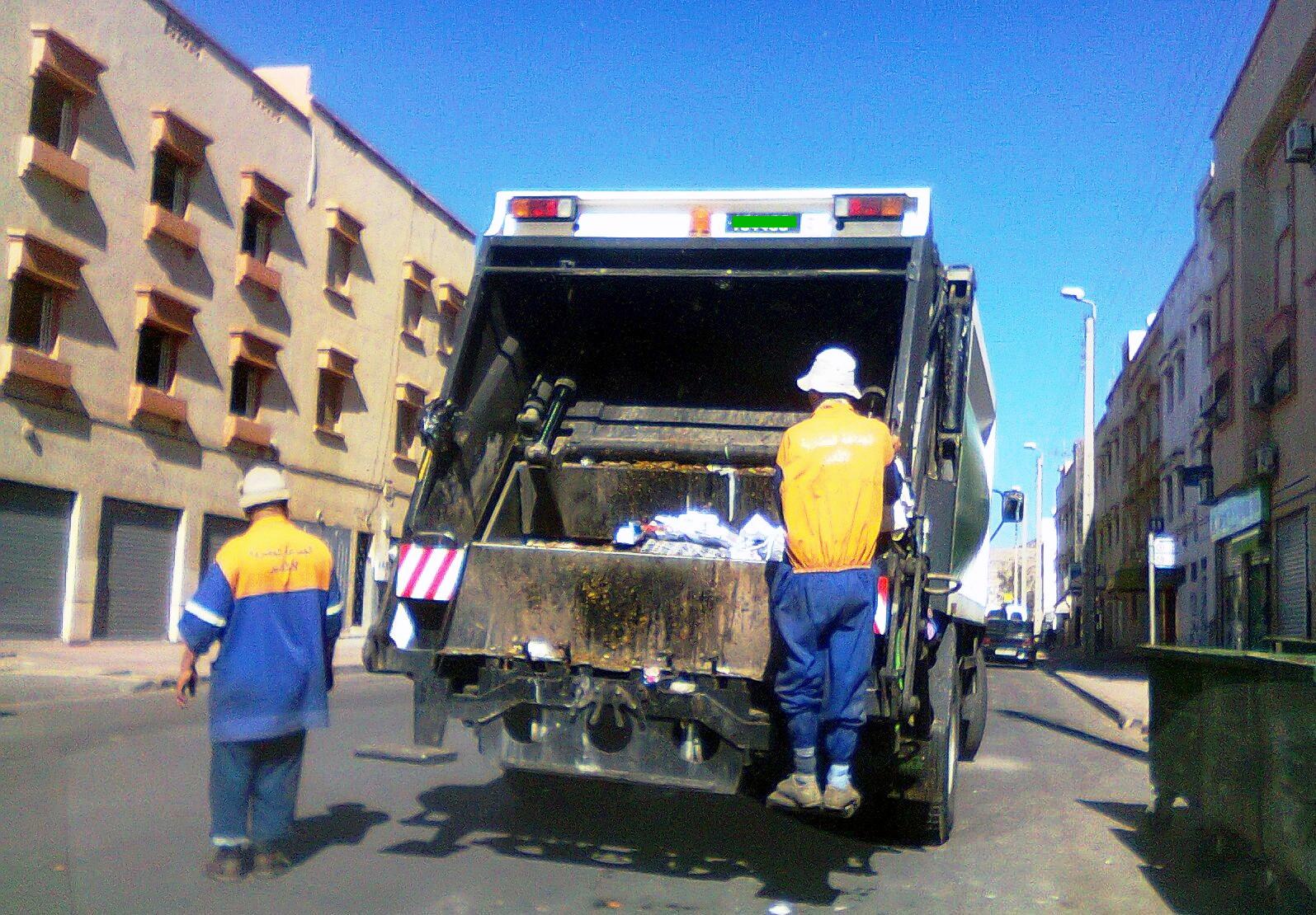 أضحية العيد ترفع حجم النفايات بأكادير إلى 1300 طن في ثلاثة أيام