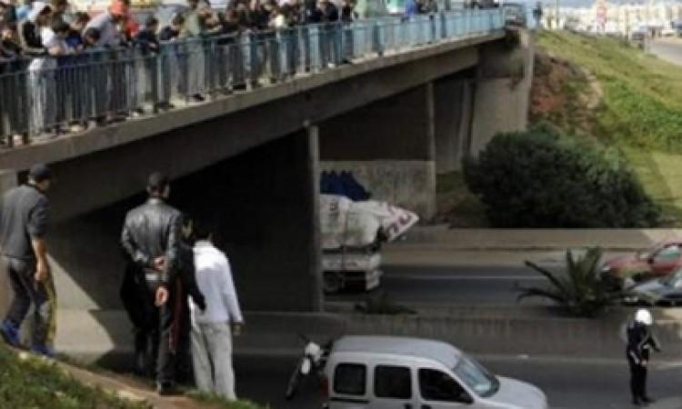 صورة عصابة تهاجم مستعملي الطريق السيار ببرشيد بالحجارة