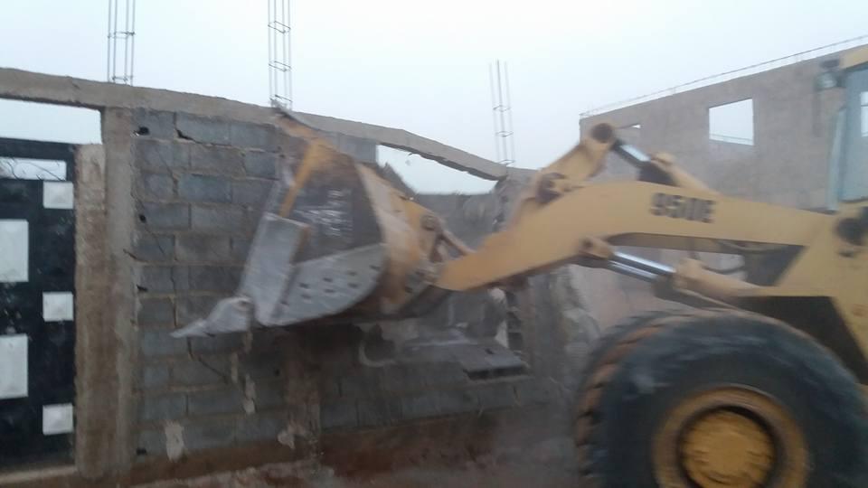 سلطات بني ملال تهدم البناء غير العشوائي