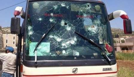 إصابات وخسائر مادية في مواجهة بين القوات العمومية ومحتجين عرقلوا حركة السير بخنيفرة