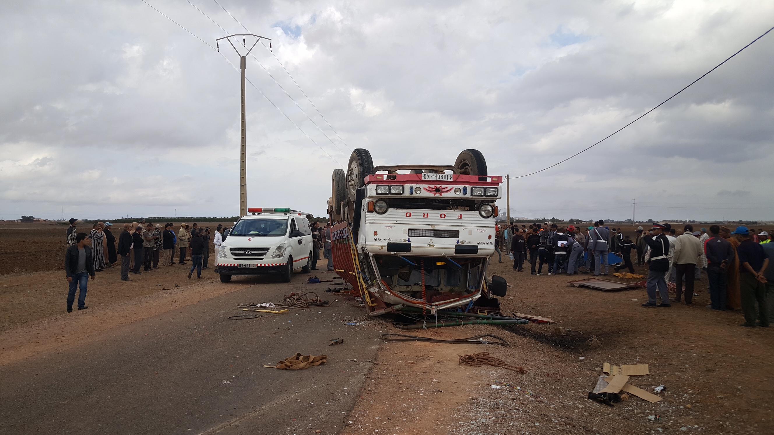 حفلة خطوبة تنتهي بمصرع 8 أشخاص وإصابة 20 آخرين بعد انقلاب شاحنة قرب برشيد