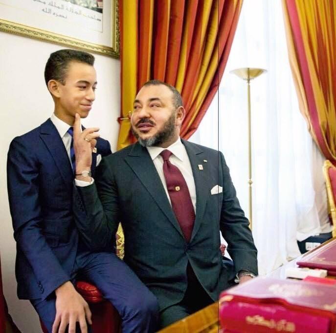 صورة صورةولي العهد مولاي الحسنيتلقى توجيهات الملكمحمد السادس تثير إعجاب رواد مواقع التواصل الاجتماعي