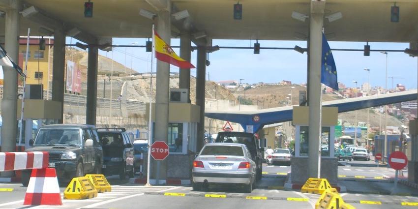 اعتقال رجل أمن إسباني بباب سبتة المحتلة حاول تهريب خمور فاخرة