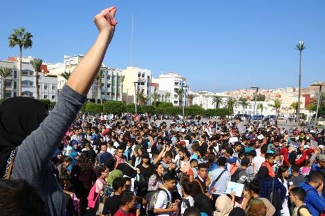 شلل تام بمدارس بالحسيمة عقب خروج التلاميذ للاحتجاج بسبب مقتل فكري