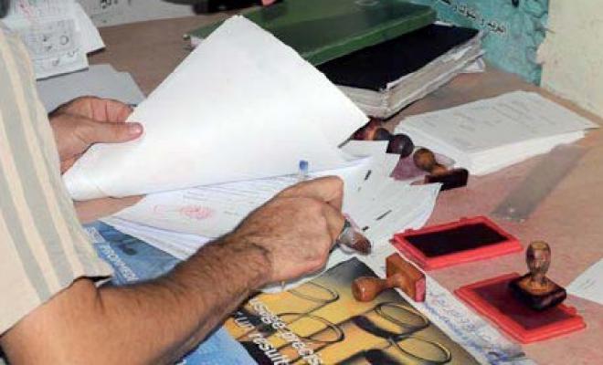 «الأخبار» ترصد فضيحة إبرام عقود بيع من قبل موثق ومحامين وعدول بسيدي سليمان