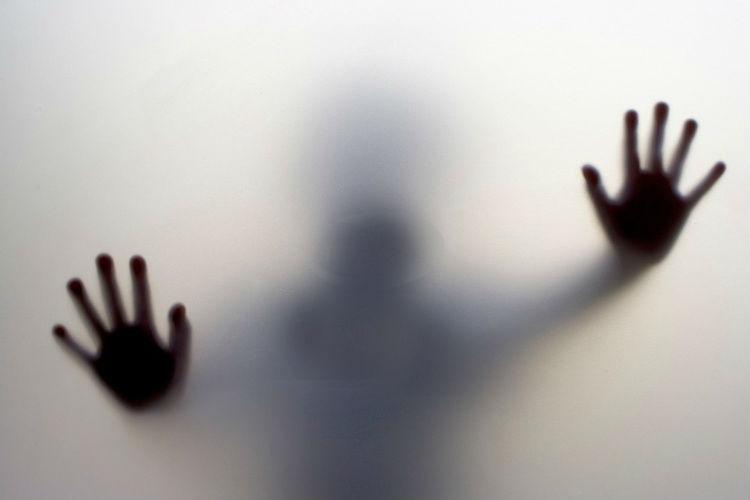 صورة عشريني يغتصب ثلاثة أشقاء يعانون إعاقات ذهنية لقرابة عقد من الزمن بضواحي الخميسات
