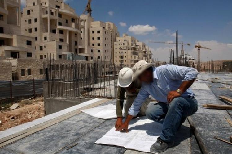 مستشار يكشف خروقات بناء عمارة موظفي بلدية الخميسات ويحذر من سقوطها على رؤوسهم