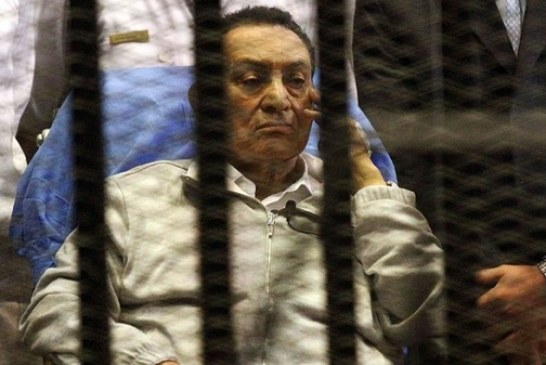 حكم نهائي ببراءة حسني مبارك من قتل المتظاهرين
