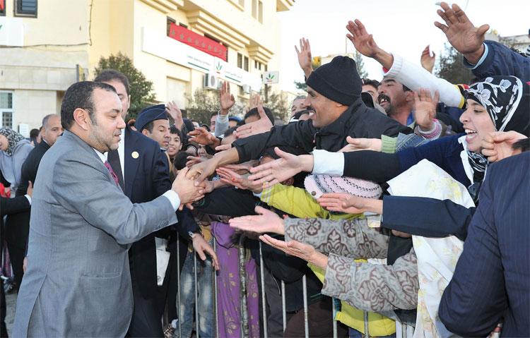 الملك محمد السادس يعفي القنصل العامة للمملكة بأورلي بعد اتهامها من طرف خادمتها بالتعنيف