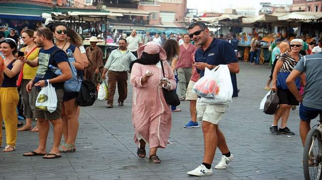 حملة أمنية تطيح بـ746 مرشدا غير قانوني تورطوا في مضايقة السياح بفاس