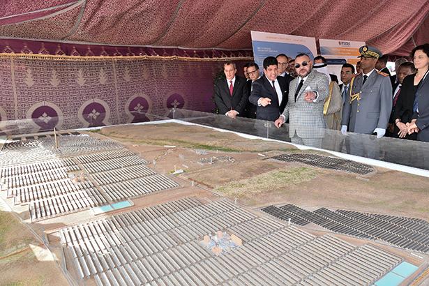 الملك يعطي انطلاقة مشروع نور وارزازات 4 للطاقة الشمسية
