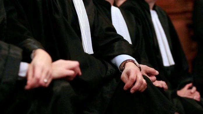 محامون يهددون بمقاضاة رئيس بلدية الخميسات بعد تعاقده مع ابن عمته للدفاع عن الجماعة