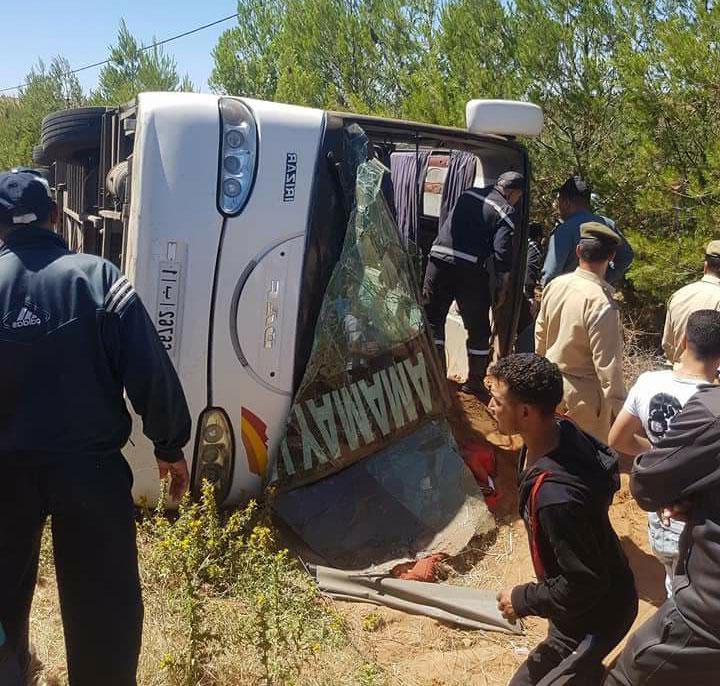 حصيلة فاجعة انقلاب حافلة للمسافرين بضواحي خنيفرة ترتفع إلى 14 قتيلا و39 مصابا