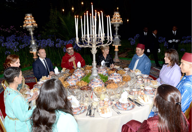الملك محمد السادس يجري مباحثات مع الرئيس الفرنسي إيمانويل ماكرون