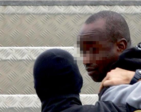 مواجهات دامية بين 100 مهاجر إفريقي ومواطنين مغاربة بالرباط بسبب عرس صاخب