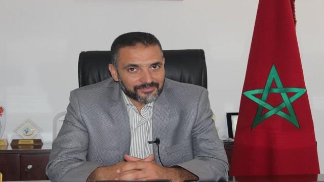موظف جماعي يتهم رئيس المجلس البلدي لصفرو باستغلاله في أعمال «سخرة» بـ«فيلا» في ملكيته