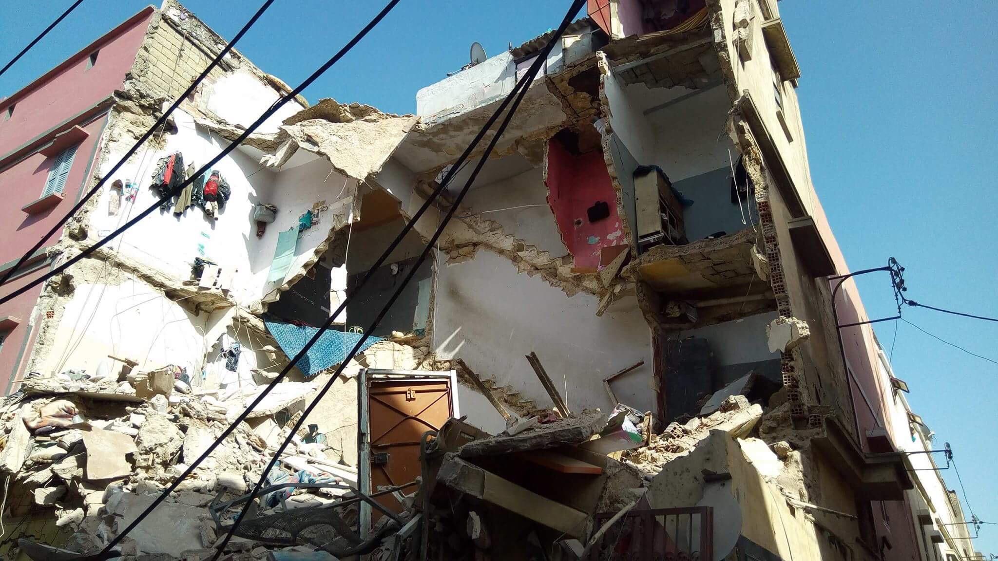صورة انهيار مبنى من طابقين على رؤوس ساكنيه بدرب الكبير بالدار البيضاء