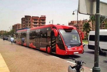 الحافلات الكهربائية بمراكش تتسبب في حادثتي سير قبل انطلاقها واختلالات تقنية تهدد المشروع