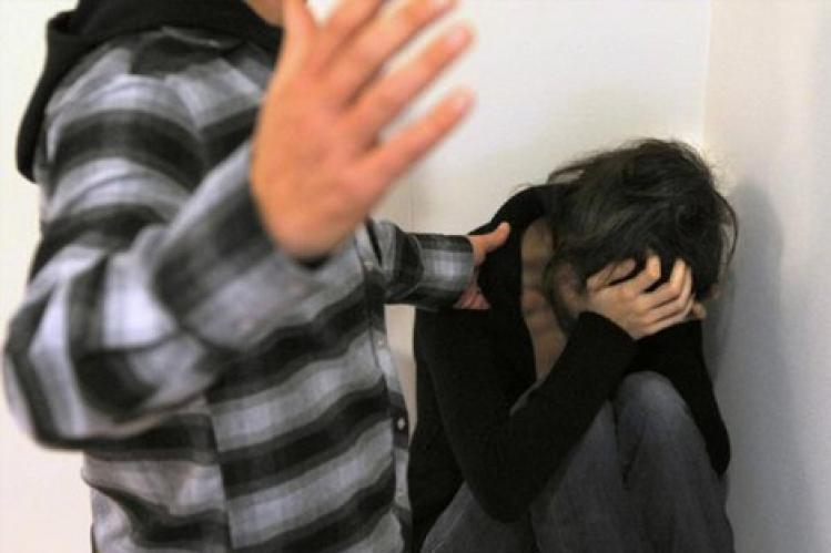 صورة نجل شقيق رجل سلطة بقلعة السراغنة يطعن تلميذة بسكين أمام مؤسسة تعليمية بعدما قاومت محاولة اختطافها