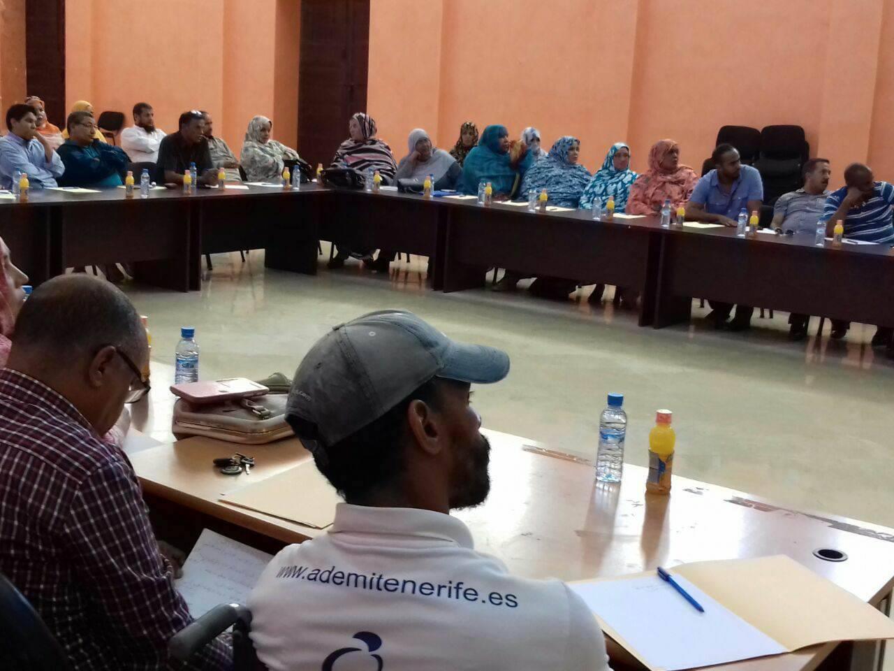 المنح تقسّم أغلبية جماعة طانطان والرئيس يحرم الجمعيات من الدعم