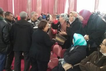 700 عاملة يقتحمن دورة للمجلس بعد إغلاق أكبر معمل بمكناس