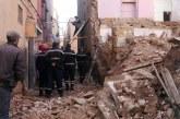 انهيار عمارة وانتشال أسرة من تحت الأنقاض يخلقان رعبا بالمدينة