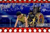 """طفل مغربي مُقعد يبهر الجميع في """"إسبانيا غوت تالنت"""" برقصة مثيرة"""
