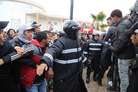 صورة عمالة جرادة تخرج عن صمتها حول إشاعة وفاة شاب جراء حادثة دهس من طرف سيارة الأمن