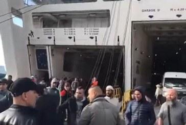 مهاجرون يشكون سرقة محتويات سياراتهم داخل البواخر بميناء طنجة المتوسطي
