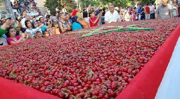 """صورة مهرجان """"حب الملوك"""" يهدد أغلبية """"البيجيدي"""" بالانهيار"""