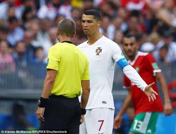 صورة هذا ما قالته الفيفا بخصوص اتهام أمرابط لحكم مباراة البرتغال والمغرب