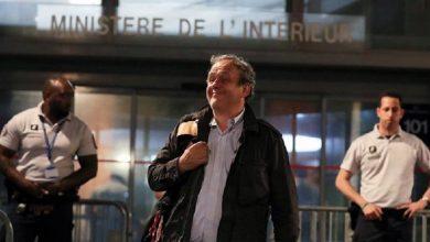 صورة إطلاق سراح بلاتيني بعد ساعات من الاستجواب في فرنسا