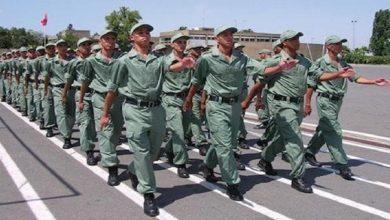 صورة السجن لمجندين جدد في إطار الخدمة العسكرية لهذا لسبب