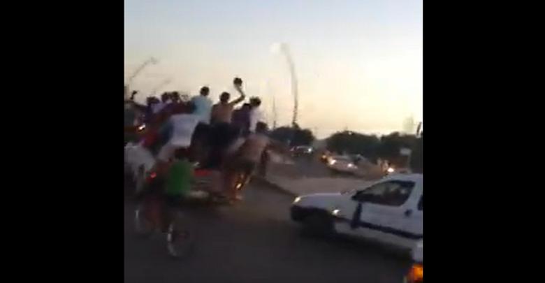 صورة بالفيديو.. فرحة عارمة لجماهير نهضة الزمامرة بعد فوز فريقهم على الرجاء البيضاوي في كأس العرش