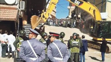صورة استنفار أمني واحتجاجات وإغماءات أثناء تحرير الملك العام بشفشاون