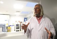 Photo of هذا هو ديديي راوول الذي ادعى اكتشاف علاج كوفيد 19 واتهم العلماء بالكذب